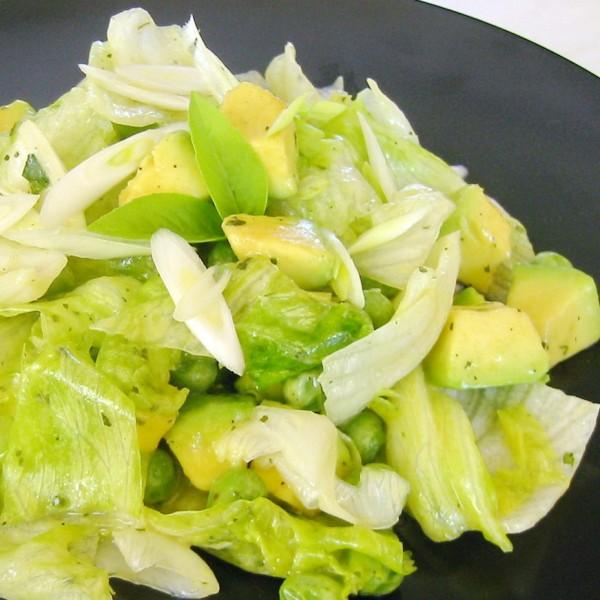 Αβοκάντο, iceberg μαρούλι, τζίντζερ, λεμόνι